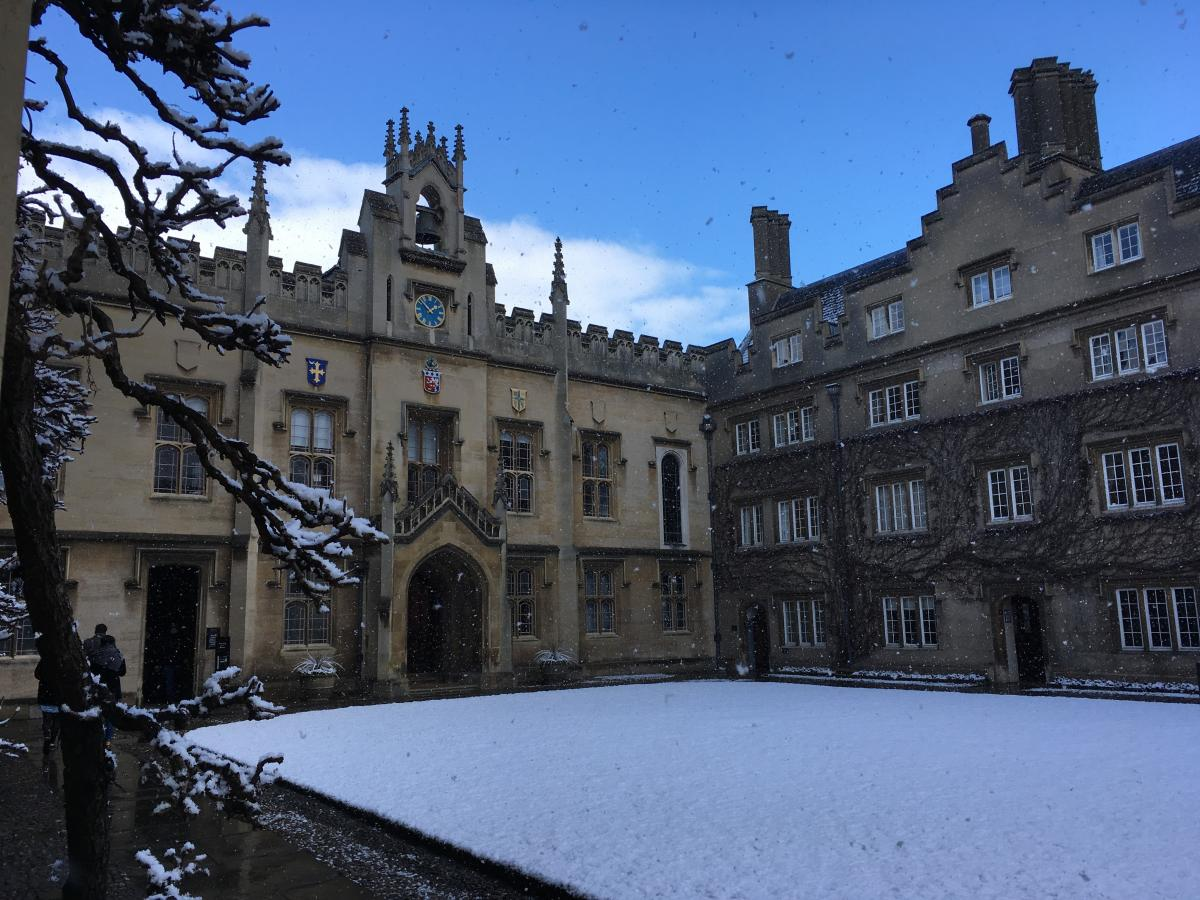 A snowy Chapel Court taken by Joris Witstok, MASt in Astrophysics